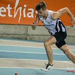 Massismo Renson (FLAC Oostkamp) uit de startblokken van de reeksen 2OO M @ Kampioenschap van Vlaanderen - BLOSO Topsporthal - Gent